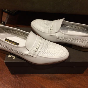 WHITE PAIR OF ALL LEATHER ITALIAN SLIP ON SHOES!!!